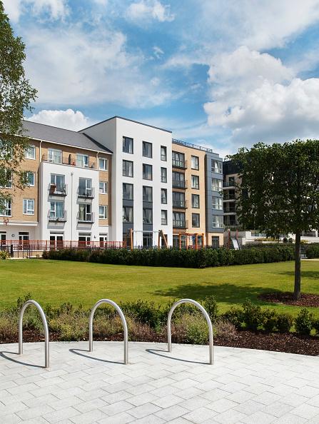 Vitality「Imperial Wharf housing development and gardens, Chelsea,  London, UK」:写真・画像(13)[壁紙.com]