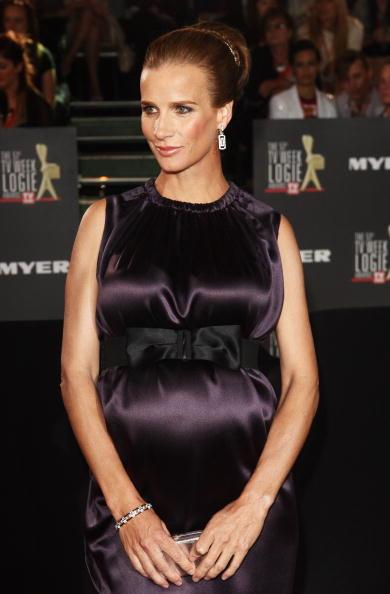 Clutch Bag「51st TV Week Logie Awards - Arrivals」:写真・画像(9)[壁紙.com]