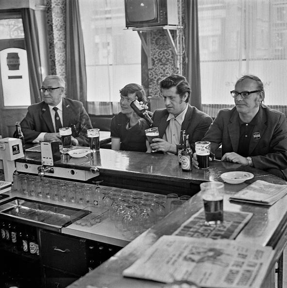 Bar Counter「The Eagle Pub」:写真・画像(16)[壁紙.com]