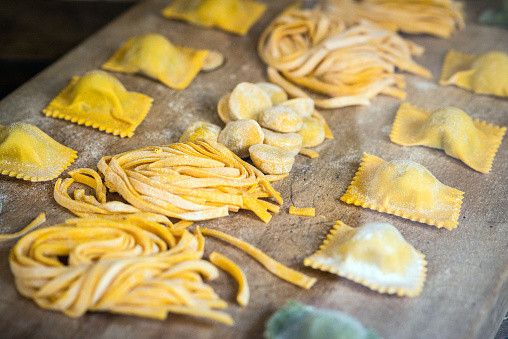 Savory Food「Italian fresh pasta and tortellini ravioli」:スマホ壁紙(11)