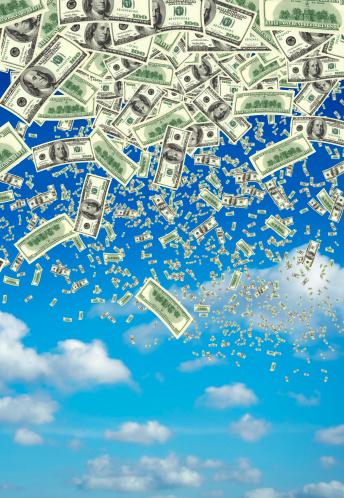 American One Hundred Dollar Bill「falling money over clear sky」:スマホ壁紙(13)