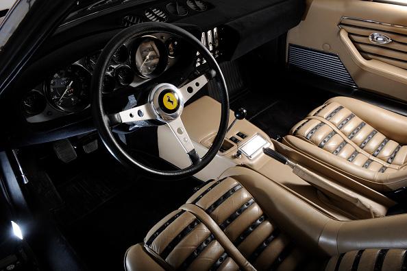 Journey「Ferrari 365 GTB 1972」:写真・画像(2)[壁紙.com]
