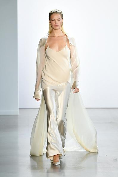 Maxi Dress「Cong Tri - Runway - September 2019 - New York Fashion Week: The Shows」:写真・画像(5)[壁紙.com]