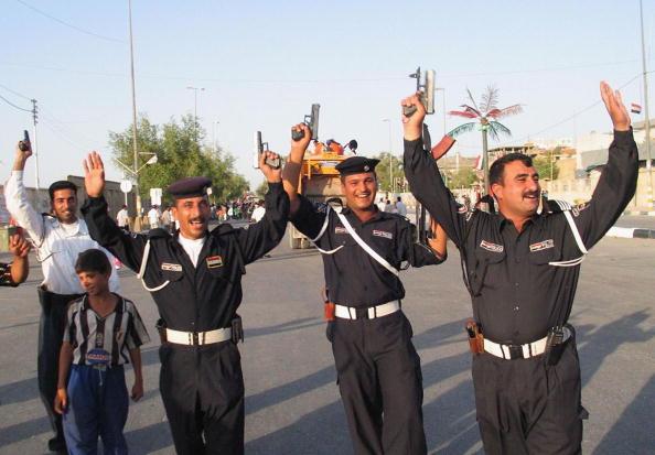 アジアカップ「Iraqi Football Fans Celebrate Victory in AFC Asian Cup」:写真・画像(12)[壁紙.com]