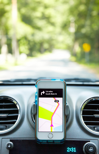 Mobile Phone「Smart Phone in Car With Directions」:スマホ壁紙(1)