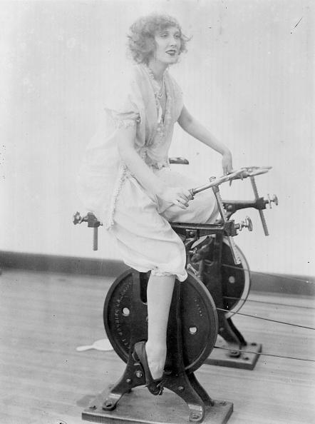1920-1929「Exercise Bike」:写真・画像(5)[壁紙.com]