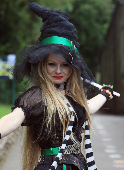 Matt Cardy「Jobseekers Audition For The Role Of Wookey Hole's Resident Witch」:写真・画像(0)[壁紙.com]