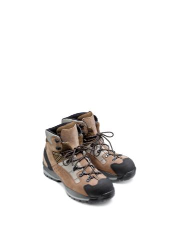 Parsons Green「Walking boots on white background.」:スマホ壁紙(19)