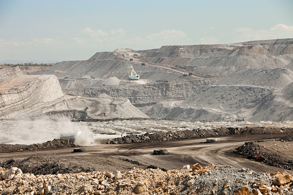 Mine「An open cast or drift coal mine in the Hunter Valley, New South Wales. If we are serious about tackling climate change, coal, the dirtiest of fossil fuels, needs to be kept in the ground. Sadly around 85% of all Austtralians energy is generated from coal」:写真・画像(15)[壁紙.com]