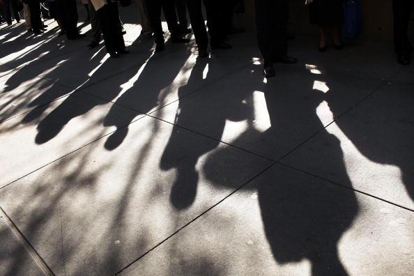 Crisis「AARP Hosts Job Fair For Workers Over 50 In New York」:写真・画像(14)[壁紙.com]