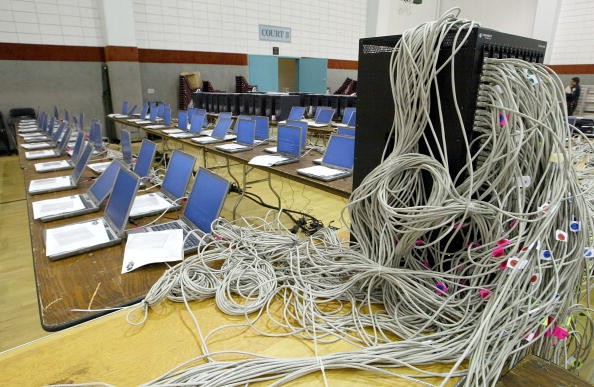 Cable「Computer Flashmob Aims To Create Super Computer」:写真・画像(3)[壁紙.com]