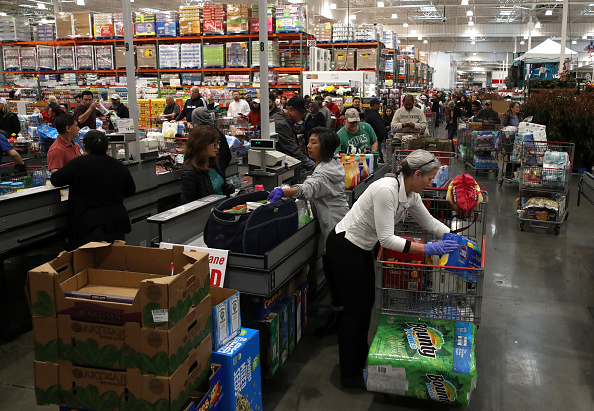 Costco Wholesale Corporation「Coronavirus Pandemic Causes Climate Of Anxiety And Changing Routines In America」:写真・画像(16)[壁紙.com]