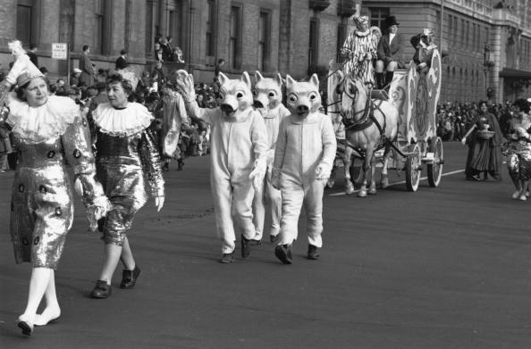 William Lovelace「Thanksgiving Parade」:写真・画像(7)[壁紙.com]