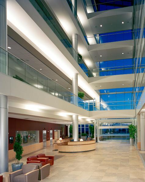 Architecture「Interior view of new medical facility lobby in Salt Lake City, Utah. USA」:写真・画像(6)[壁紙.com]