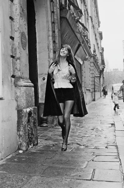 Shorts「Jane Birkin」:写真・画像(3)[壁紙.com]