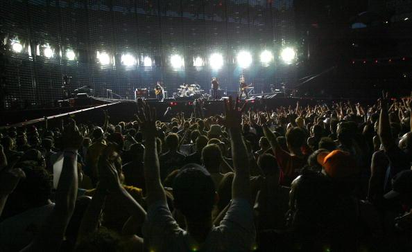 Outdoors「U2 Play Milan」:写真・画像(11)[壁紙.com]