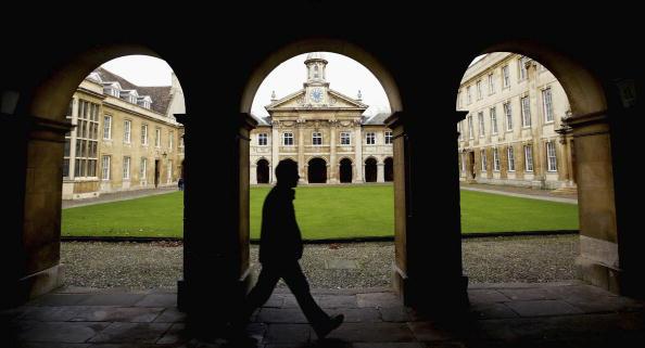 UK「Cambridge University Term Starts As Top Up Fees Debate Looms  」:写真・画像(12)[壁紙.com]