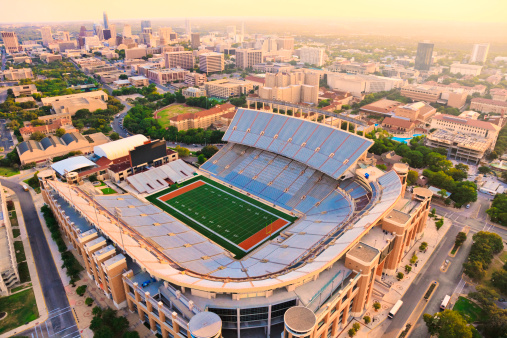 Helicopter Point of View「University of Texas Football Stadium - Aerial View」:スマホ壁紙(8)