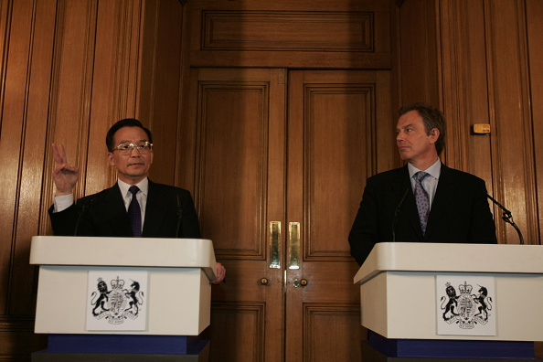 Peter Macdiarmid「Wen & Blair At Downing St」:写真・画像(19)[壁紙.com]