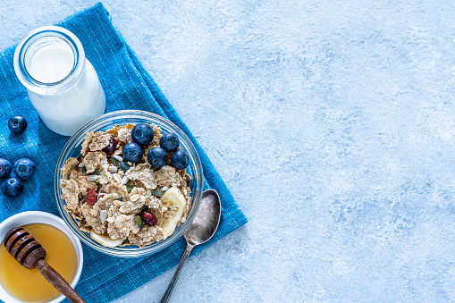 Granola「Healthy eating: granola bowl with fruits for breakfast. Top view with copy space」:スマホ壁紙(14)
