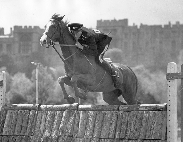 Monty Fresco「Horse Jumping」:写真・画像(14)[壁紙.com]