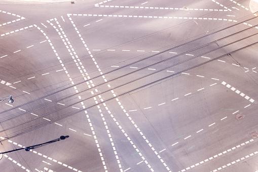 Asphalt「Germany, Berlin, view of crossroads seen from above」:スマホ壁紙(12)