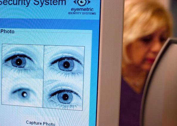 Iris - Eye「New Jersey School System Uses Iris-Recognition Technology」:写真・画像(19)[壁紙.com]