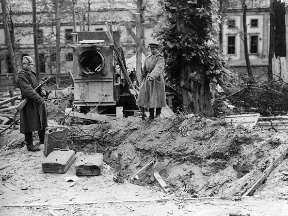 Death「Hitler's Grave」:写真・画像(3)[壁紙.com]