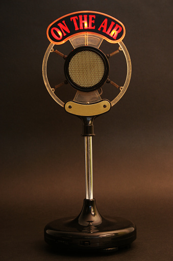 Ancient「On the air microphone」:スマホ壁紙(1)