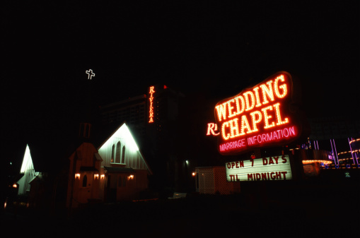 Chapel「USA, Nevada, Las Vegas, Wedding chapel illuminated at night」:スマホ壁紙(10)