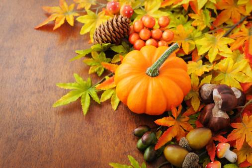 かえでの葉「秋の装飾」:スマホ壁紙(12)