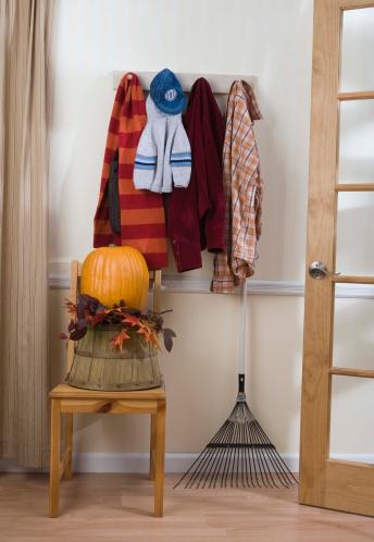 Coat - Garment「Autumn decorations and scarves」:スマホ壁紙(17)