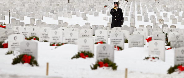 Daniel Gi「Army Sargeant Killed In Afghanistan Suicide Bombing Buried At Arlington」:写真・画像(8)[壁紙.com]