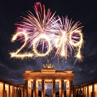 花火「ベルリンの 2019 年越し花火」:スマホ壁紙(3)