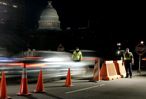 Blurred Motion「Traffic Checkpoints Re-Open On Capitol Hill」:写真・画像(0)[壁紙.com]