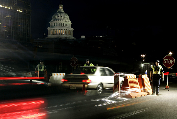Road「Traffic Checkpoints Re-Open On Capitol Hill」:写真・画像(15)[壁紙.com]