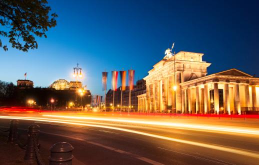 Unrecognizable Person「Brandenburg Gate in Berlin, Germany.」:スマホ壁紙(15)