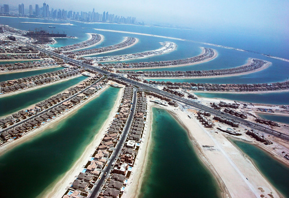 Architecture「Aerial of Dubai, United Arab Emirates. Palm Jumeirah, July 2007.」:写真・画像(15)[壁紙.com]