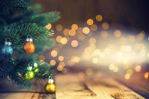 Christmas Lights「Christmas Tree and Defocused Lights」:スマホ壁紙(6)