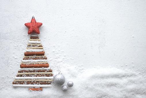 Snowdrift「Christmas tree and Christmas decoration」:スマホ壁紙(18)