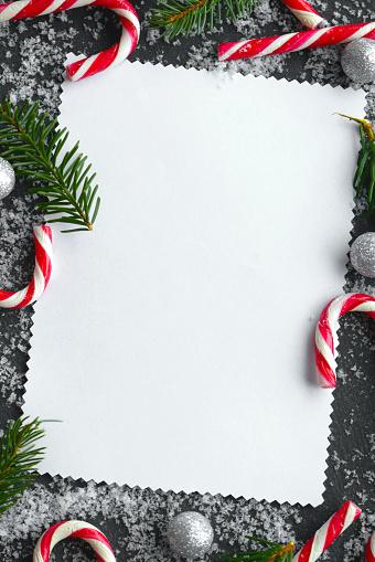 Vertical「Christmas tree and Christmas decoration」:スマホ壁紙(5)