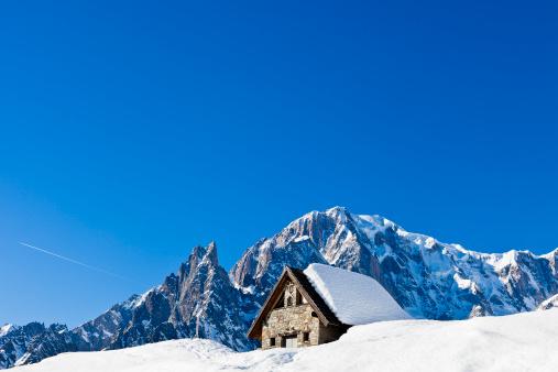 Chalet「Le Pre village in Aosta Valley in winter」:スマホ壁紙(6)