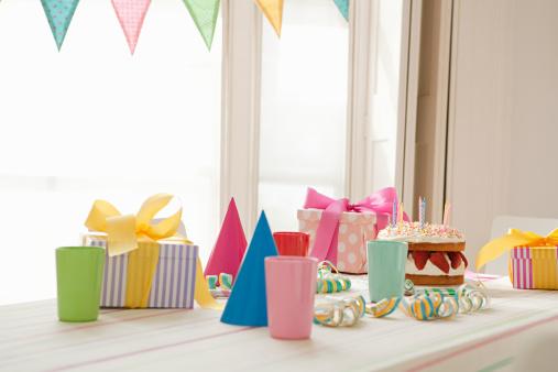 Birthday Present「Birthday party preparation」:スマホ壁紙(1)