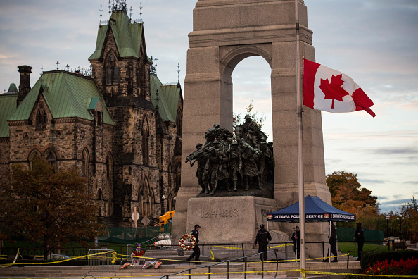 Ottawa「Ottawa On Alert After Shootings At Nation's Capitol」:写真・画像(15)[壁紙.com]