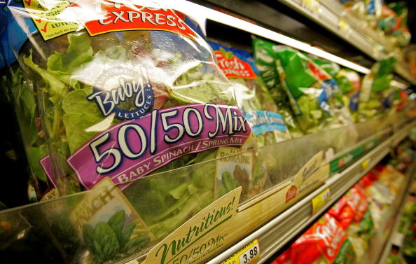 Salad「FDA Issues Warning After E. coli Outbreak Traced To Spinach」:写真・画像(0)[壁紙.com]