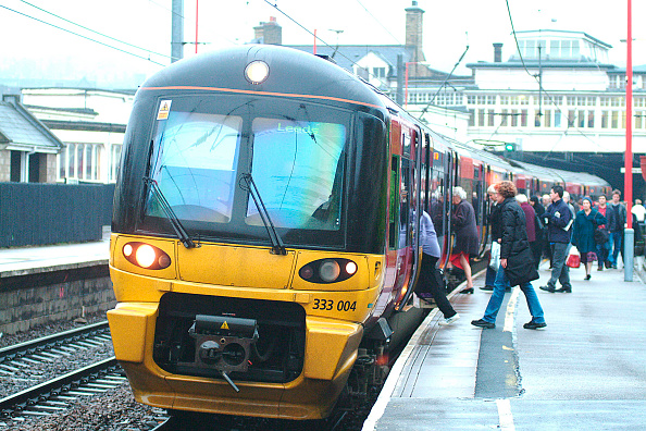 Rail Transportation「The Aire Valley services from Skipton to Leeds / Bradford」:写真・画像(12)[壁紙.com]