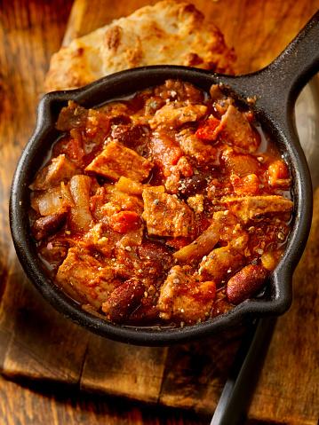 Cast Iron「Steak Chili with Red Kidney Beans」:スマホ壁紙(4)