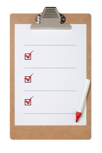 Writing「Blank checklist on clipboard with three red check marks」:スマホ壁紙(17)