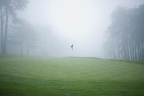 Motivation「Flag on putting green on golf course」:スマホ壁紙(17)