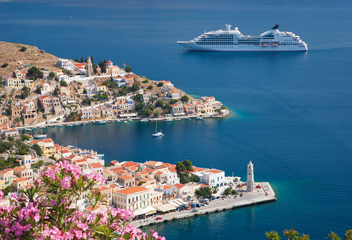 Townscape「View over Harani Bay, Gialos, Symi, Greece」:スマホ壁紙(15)
